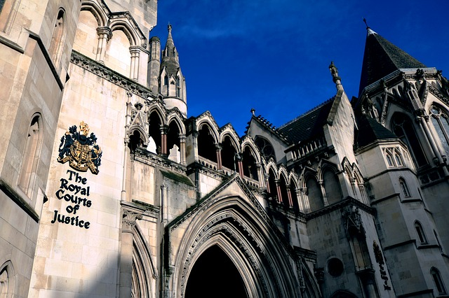 the-royal-courts-of-justice-1648944_640
